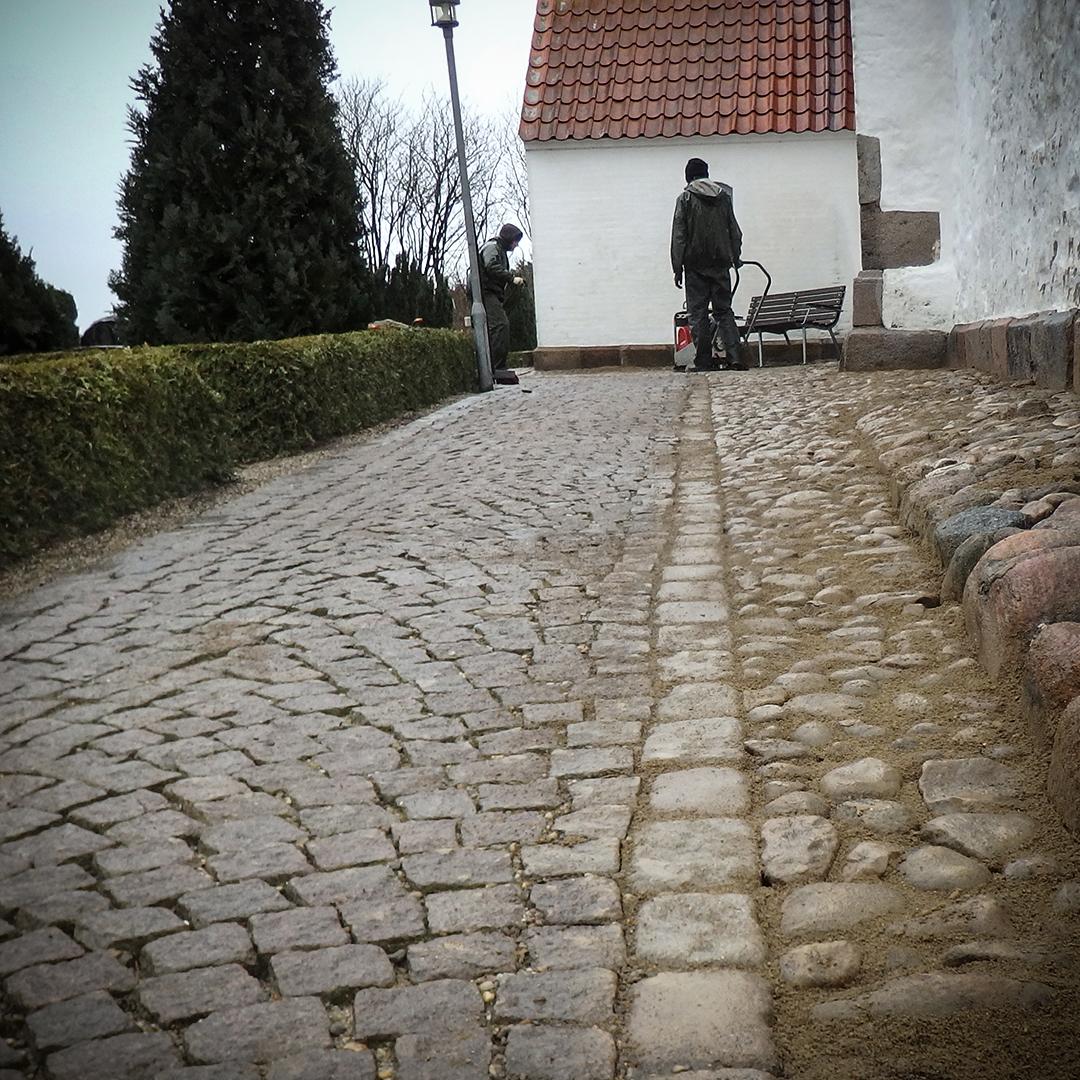 Vedligehold og belægning på kirkegårde